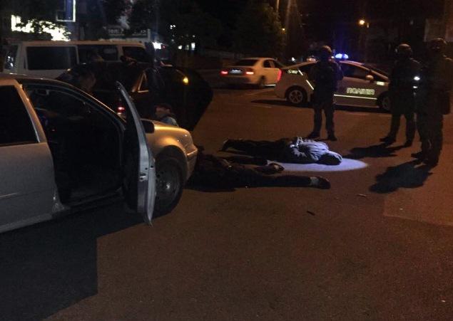 Уцентрі Кропивницького затримали автомобілі з13-ма озброєними жителями Київщини